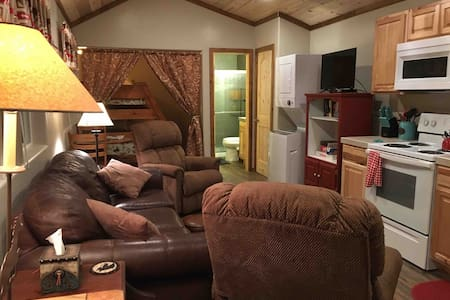 Cozy bunkhouse welcomes your dogs and horses!