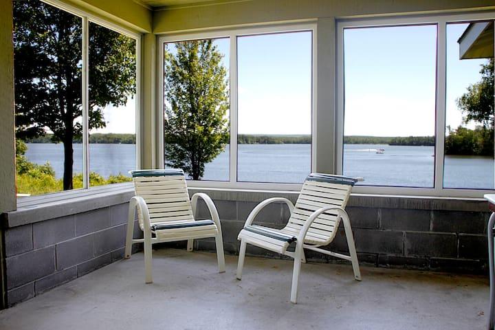 Fred Thomas Resort Lakeview Condo B