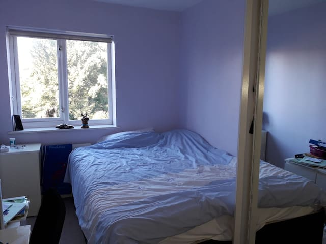 Private Room in a Shared House near Warlingham