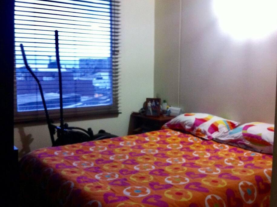 C moda habitaci n muy bien ubicada apartamentos para - Comoda habitacion ...