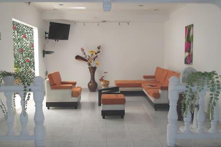 Forastero Hostel Villavicencio - Villavicencio - Maison