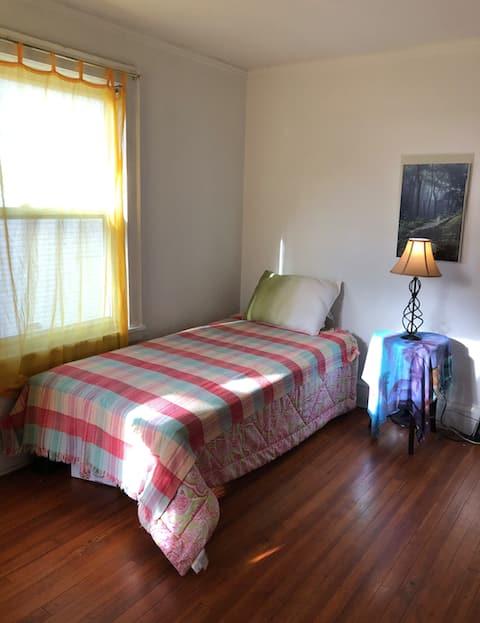 Quiet, single room