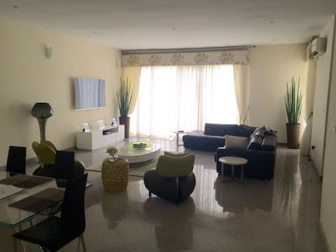 Fully Serviced 2bed Rm apt in Banana Island Estate