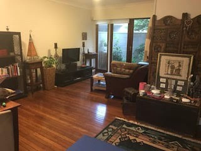 Nth Sydney relaxed & easy access CBD Attractions - Wollstonecraft - บ้าน