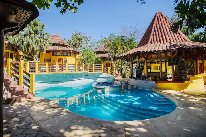 Boutique Hotel in Tamarindo - Bungalow 4 pax (#5)