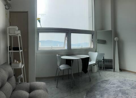 *슈퍼 호스트* 감성적인 복층 공간 Modern House /넷플/파티룸/사진맛집