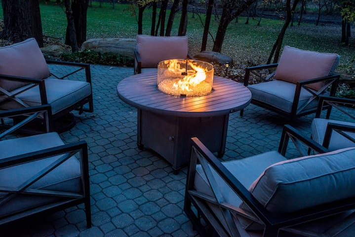 Rear deck with firepit