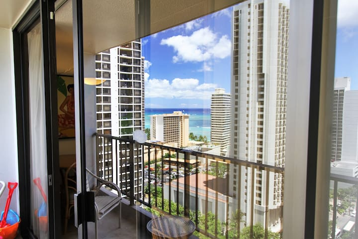 LEGAL Ocean View 1-BEDROOM in ASTON WAIKIKI SUNSET