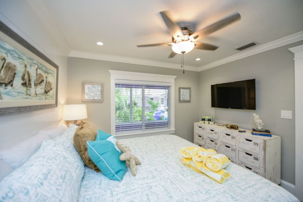 Master Bedroom with King Bed and Upgraded Linens
