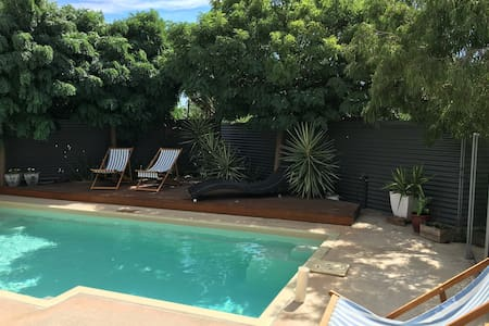 Private poolside resort - Echuca - Casa