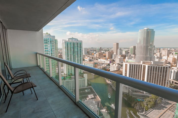 ICON BRICKELL • 36th Floor •Ocean Views • Free Spa