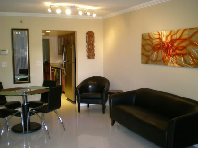 Spectacular 2/2 near to everything! - Plantation - Apartment
