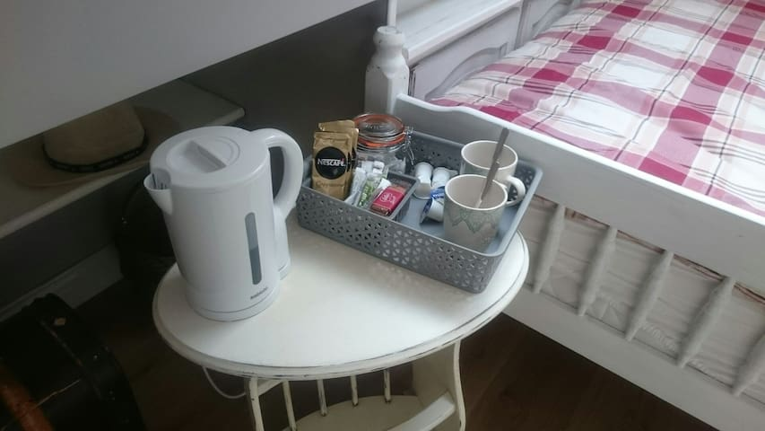 tea and coffee facilities in all of my 5  rooms..