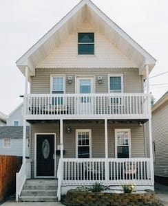 FIVE STAR HOME - Beach House With Beach Badges