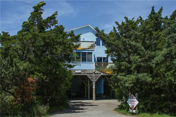 Oceanside in Avon w/Easy walk to Beach and Pier