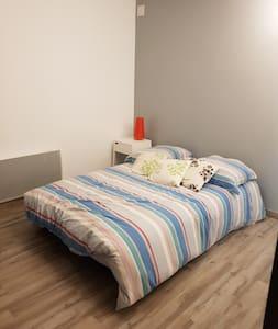 Chambre 24 m2 avec SDB et WC 15 Kms plage hossegor