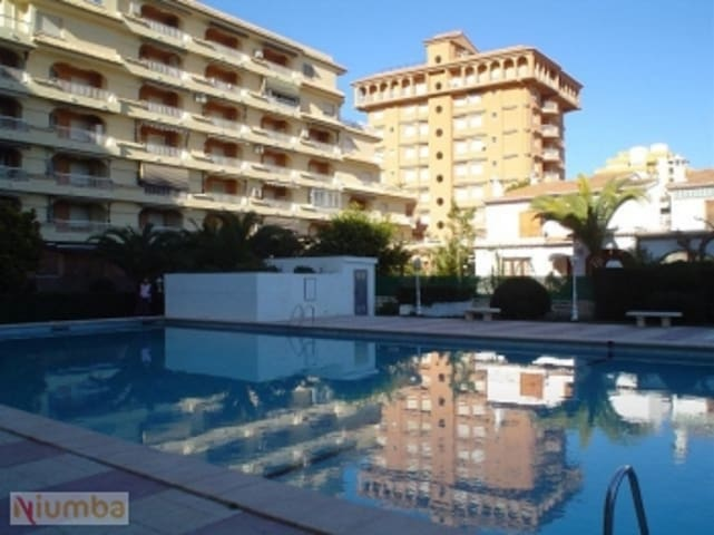 PLAYA GANDIA - APART. 1 bedroom (2-4 pax), swimming pool, A / A and WI-FI