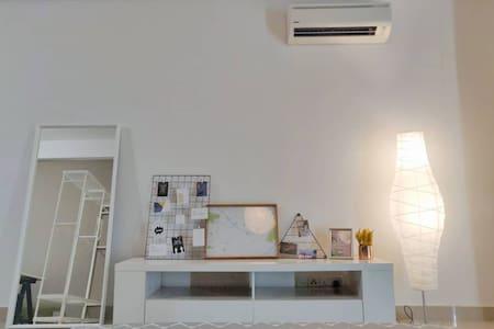 Modern Studio @ First Subang Courtyard SS15