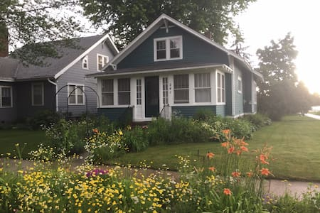 Charming home w/porch near downtown.  Long term!