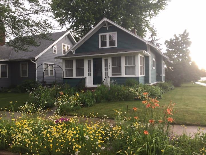 Charming home w/porch near downtown.  Long term!
