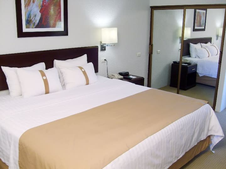 Cozy Double Two Double Beds At Hermosillo