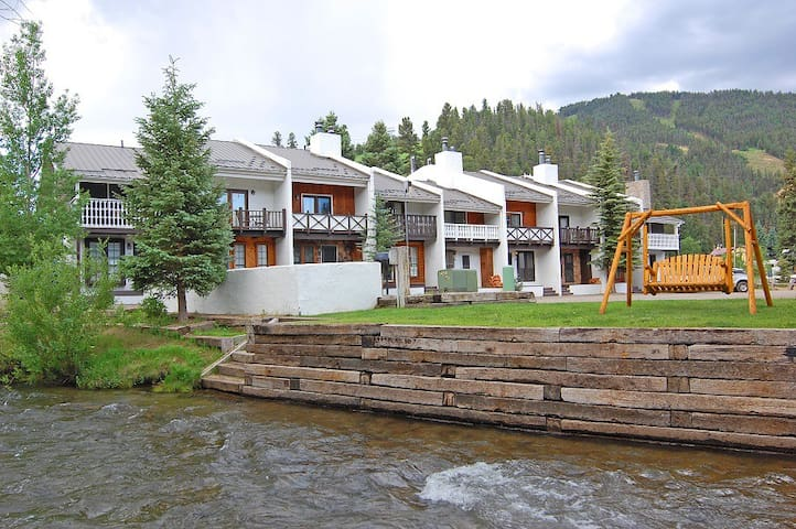 Claim Jumper Townhouse #20 - Nicely Furnished! - On The River - Across from the Fishing Ponds - In Town - Near The Ski Area - WiFi - Cable - Washer/Dryer - Wood Burning Fireplace - Heated Parking Lot
