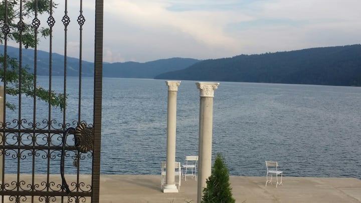 Gradinile Romane - Lake front hotel