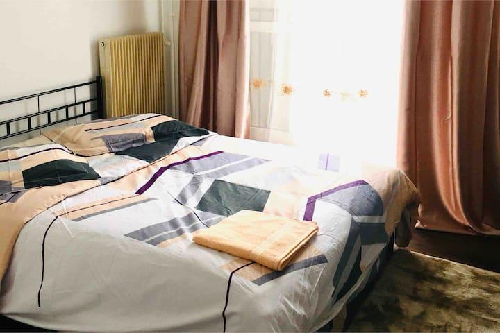 (N° 1) Chambre privée dans un appartement