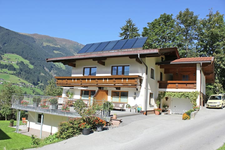 Mountain View Apartment in Ramsau im Zillertal Ski Area
