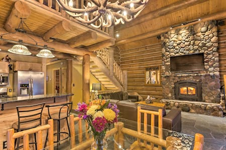 Secluded Cabin - Short Drive to Traverse City