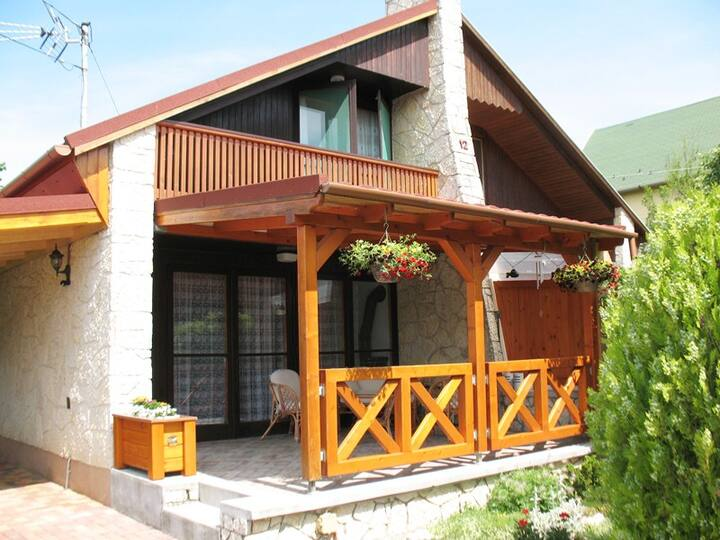 Summer house in Balatonalmádi for 4 people