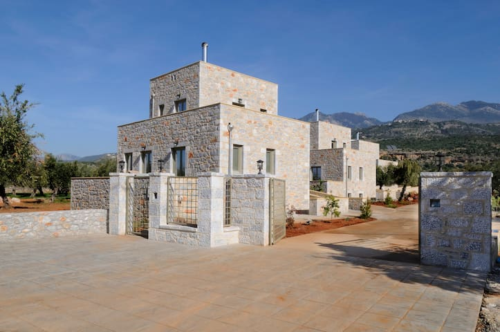 Villa Eftichia in an olive garden - Messinia - Villa