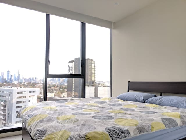 Amazing Room with CBD views+Wifi+Pool+Gym