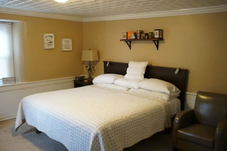 Holly Heritage/Miller room, extended stay discount