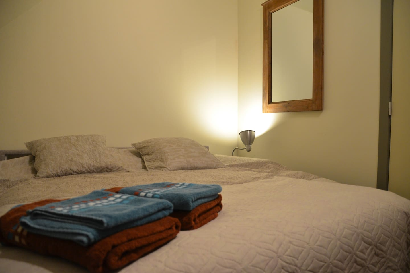Room 1: double bed