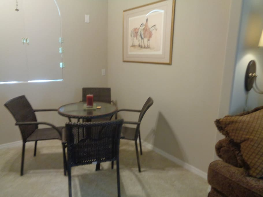 kitchenette table and chairs