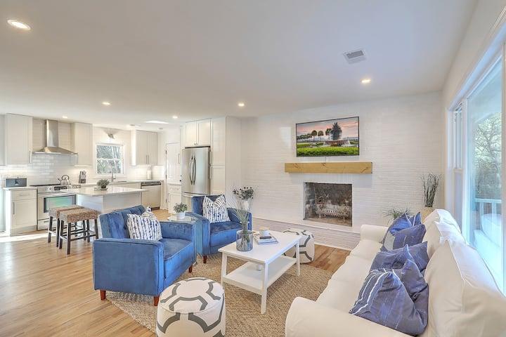 Stylish & Stunning Home Close to City & Beach