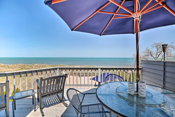Lakefront Family Retreat w/ Grill: Steps to Beach!