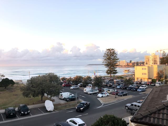 Ocean Views @ Cronulla Beachside Getaway