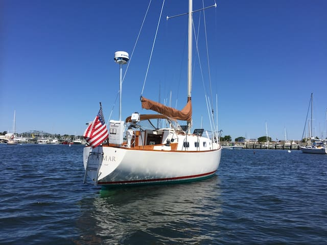 "Private Stay on Classic Sailboat ""Mar A Mar"""