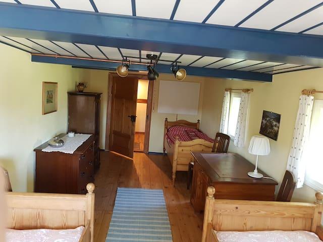 Schlafraum mit 3 Einzelbetten