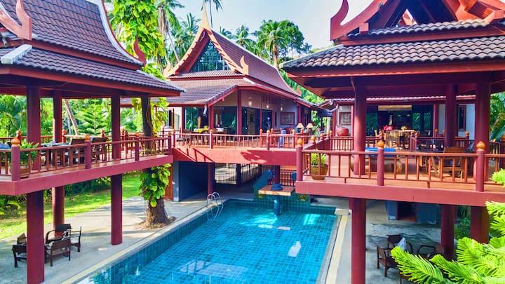 Amazing pool villa 6 bedroom in front of the beach