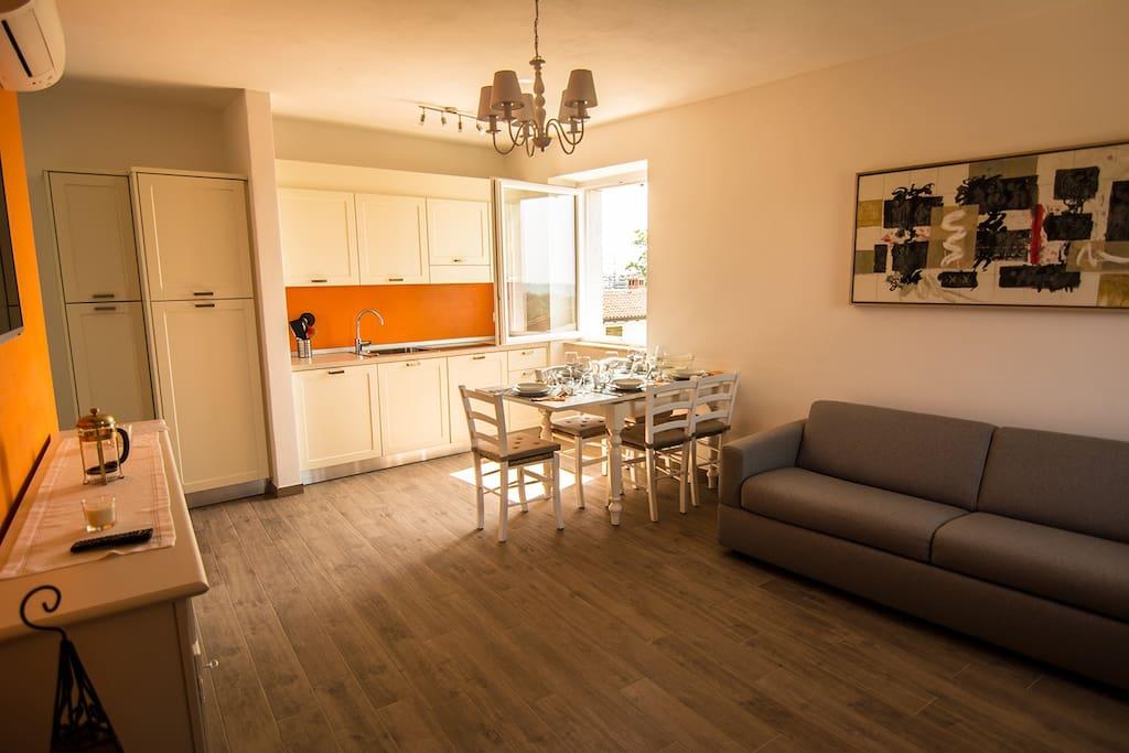 Appartamenti alla lanterna 4 arancio appartamenti in for Appartamenti cortina affitto