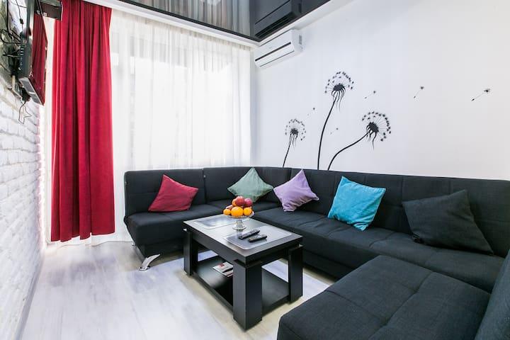 прекрасная квартира в Тбилиси с идеальной чистотой - 提比里斯 - 公寓