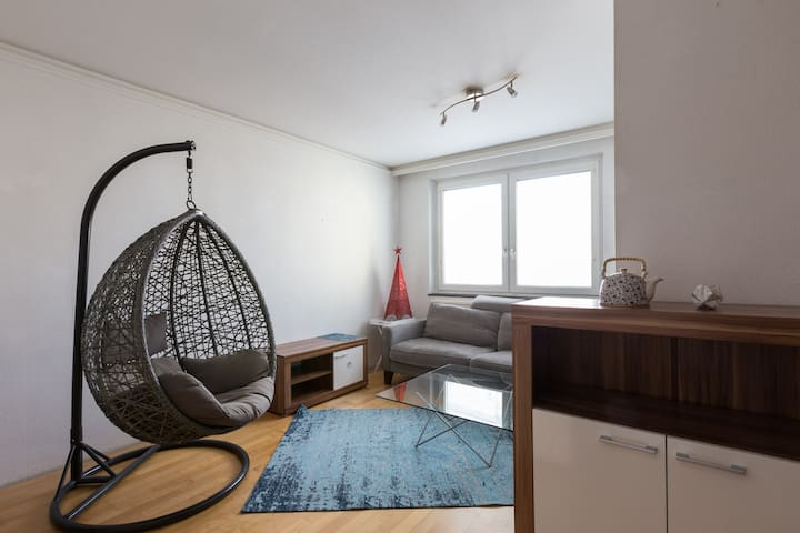 Your cozy house in excellent location + breakfast