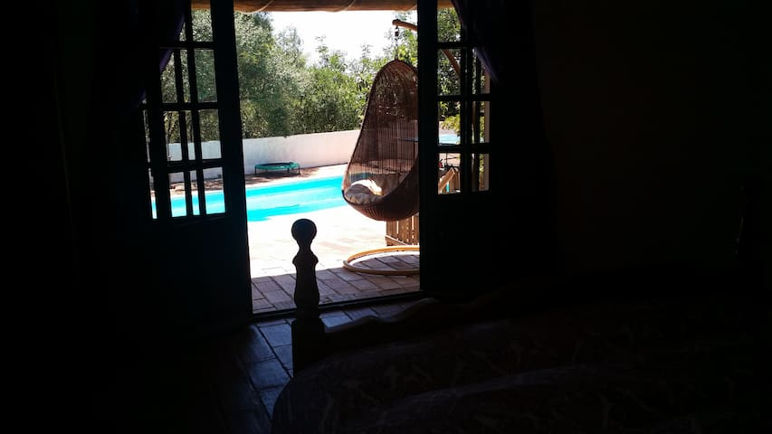 Nascer Do Sol - Sun Rise / Pool-room