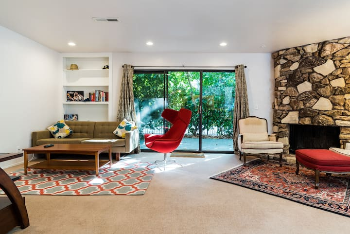 Spacious Town House Close to BART/SF/Oakland