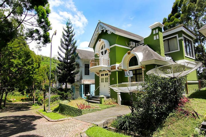 MN Villas Kota Bunga Cipanas Puncak - 3 Bedroom GG