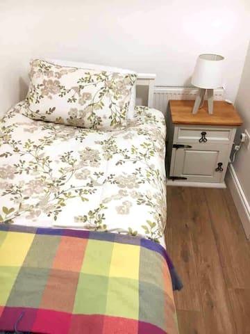 Bedroom 4 single room