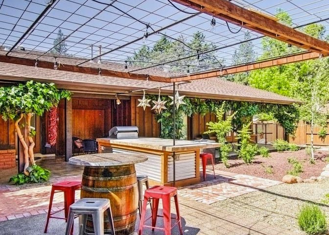 OM Sweet Home w/ Hot Tub, Fire Pit + Addt'l Casita